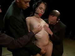 Slut submits her sexy pussy..
