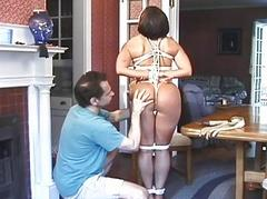 Woman agrees to be tied up