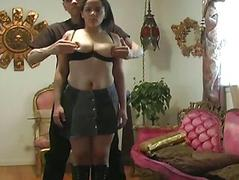 Girl agrees to be tied up