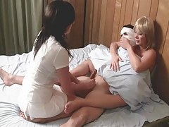 Nurse Handjob: Patient on..