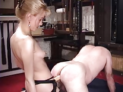 Mistress fisting her male..